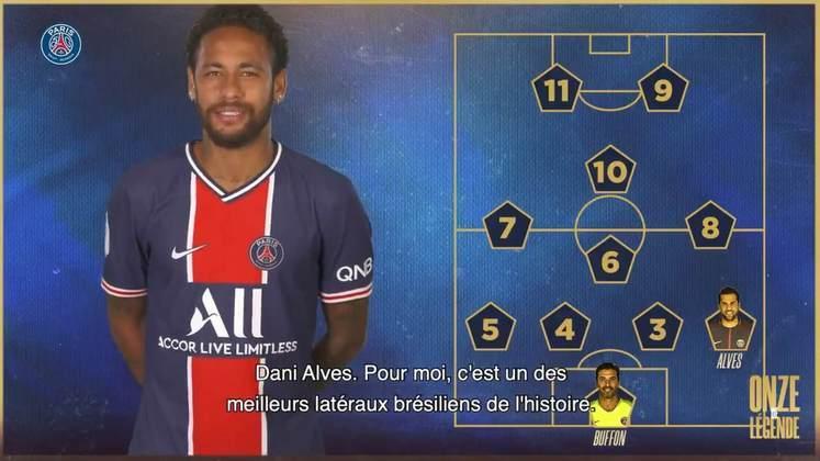 Agora com 100 jogos pelo PSG, Neymar escalou o seu Paris Saint-Germain dos sonhos. As opiniões do atacante foram gravadas em vídeo feito em homenagem aos 50 anos do PSG: