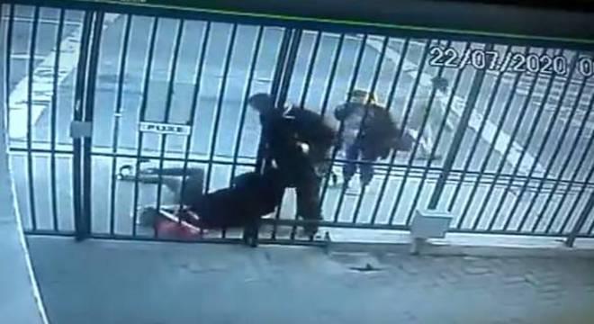 Vítima tinha acabado de sair do condomínio em Diadema (SP)