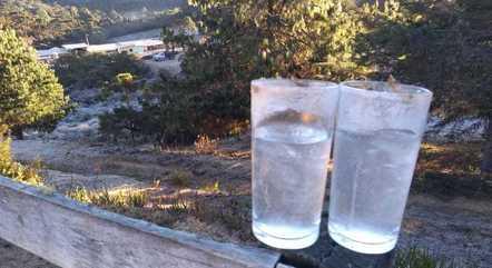 Água ficou congelada em Delfim Moreira (MG)