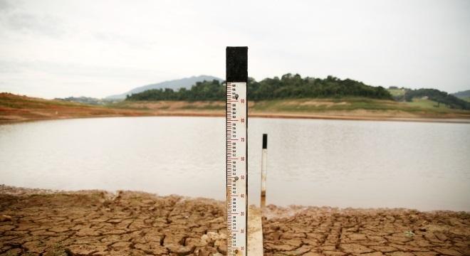 Brasil também está ameaçado pela crise hídrica, com diminuição de reservas