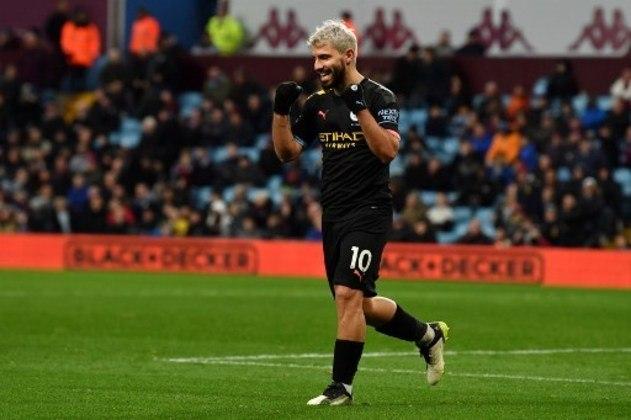 Aguero (32 anos) - Clube atual: Manchester City - Posição: atacante - Valor de mercado: 35 milhões de euros