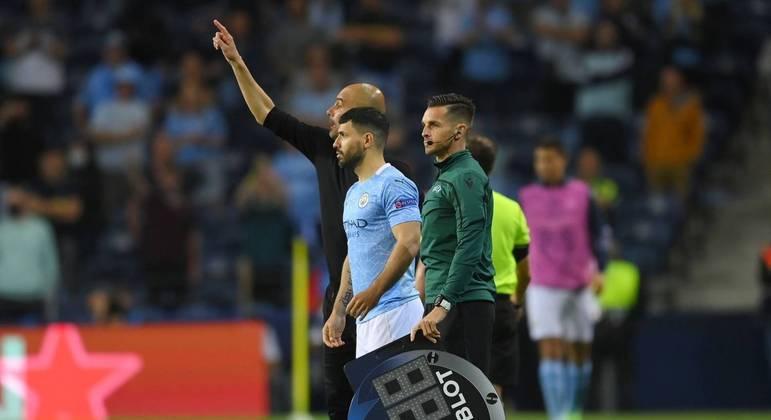 Pai de Agüero culpa Pep Guardiola pela saída do Manchester City