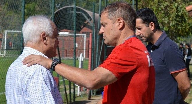 Aguirre um dos 15 profissionais que comandou o futebol no São Paulo de Leco