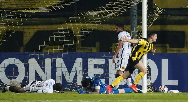 Álvarez Martínez, de apenas 19 anos, fez três gols na goleada sobre o Corinthians