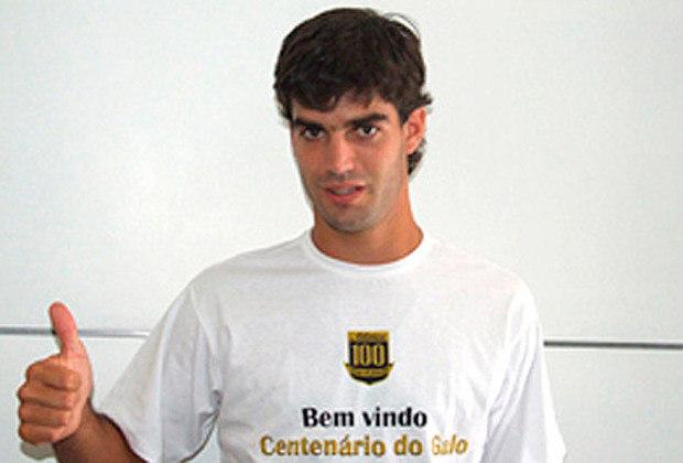 Agustín Viana - Norte-americano com nacionalidade uruguaia, Agustín Viana ficou seis meses no Galo e não correspondeu.