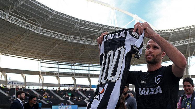 Ainda em 2018, Joel Carli chegou à marca de 100 partidas pelo Botafogo. no empate em 0 a 0 com o Santos, no dia 4 de agosto de 2018.