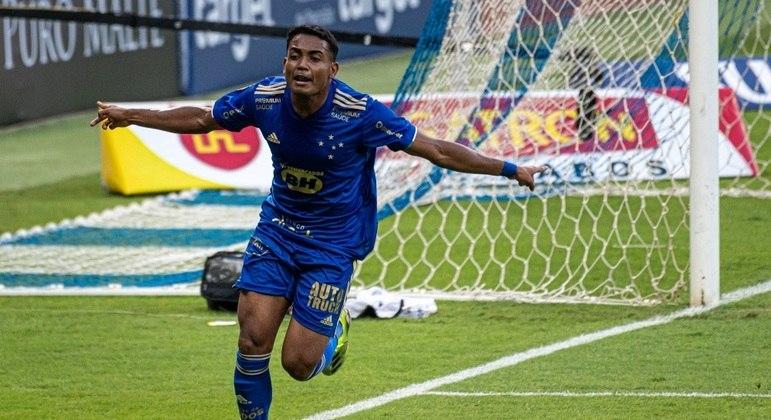 Airton fez o gol da vitória do Cruzeiro no clássico com o Atlético-MG