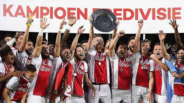 Ajax (8 títulos) - O Ajax ganhou cinco vezes o título holandês, 1 Copa da Holanda e 2 Supercopas da Holanda.