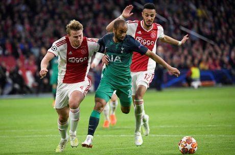 Lucas foi decisivo na vitória do Tottenham sobre Ajax