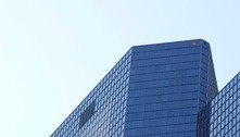 Francês escala prédio como forma de protesto ao passaporte de saúde