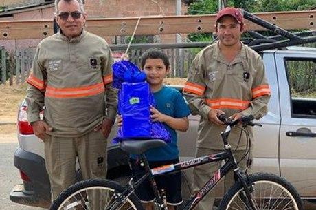 Depois de ato de generosidade, Alan ganhou uma bicicleta