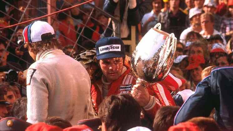 Alan Jones venceu o GP da Áustria de 1977. Até aí, tudo bem, mas a organização da corrida não tinha o hino da Austrália para tocar no pódio.