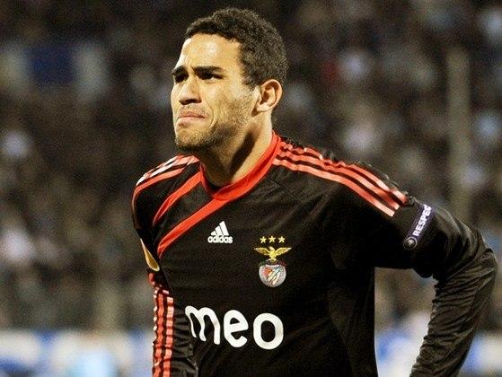Alan Kardec - O atacante saiu do Brasil, onde surgiu no Vasco, e emprestado ao Internacional. Foi para o Benfica, onde se destacou e conquistou o Campeonato Português.