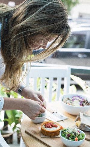 Alana Rox é a criadora das receitas do Purana