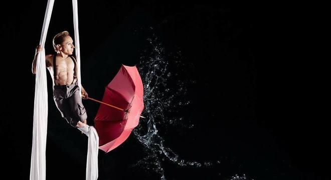 Acrobata venceu preconceito e trabalha em um dos maiores circos do mundo