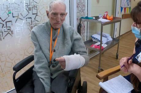 Albert Chambers, de 99 anos: alta  após covid-19