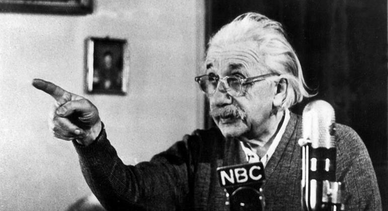 Manuscrito de trabalho de Einstein está avaliado em até R$ 18,3 milhões