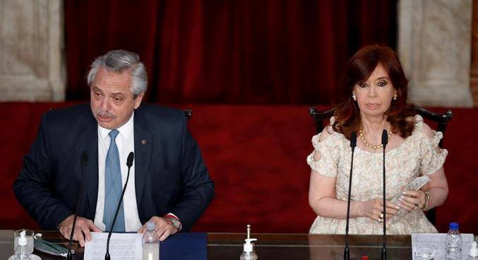 Alberto Fernández discursou ao lado da vice-presidente Cristina Kirchner