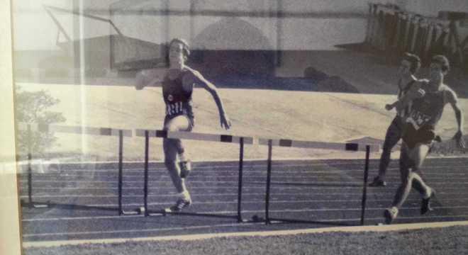 Murray, atleta do Pinheiros, nos 400 s/Barreiras