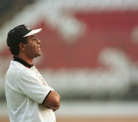 Alcir Portela - Figura conhecida em São Januário, Alcir foi multicampeão pelo Vasco enquanto jogador e auxiliar-técnico. Comandou o time no início de 2001. Morreu em 2008.