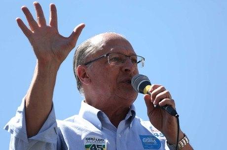 Alckmin passa o dia em São Paulo gravando entrevistas