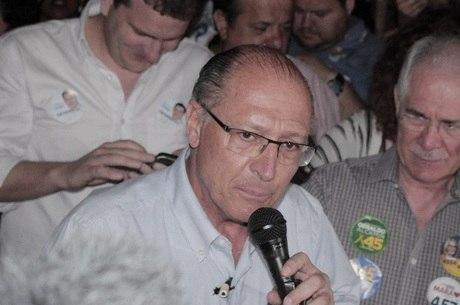 Alckmin dará entrevistas por telefone