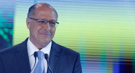Alckmin acabou isolado e sem espaço no PSDB