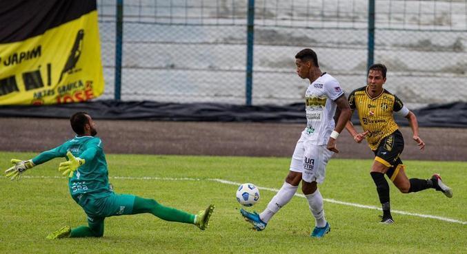 Alef deu um chapéu no goleiro antes de marcar contra o Castanhal
