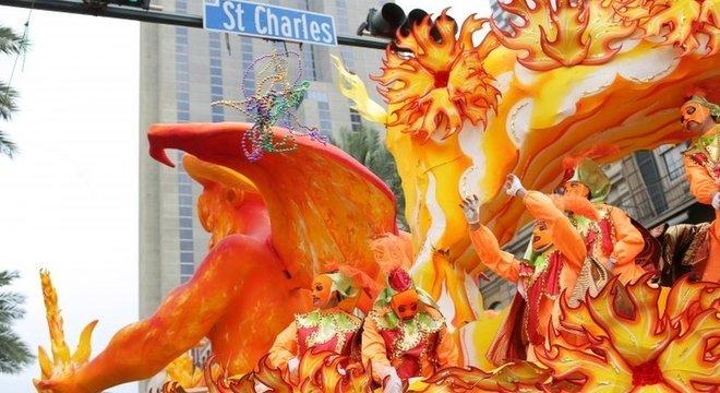Carnaval em Nova Orleans; há temor de que o coronavírus tenha um efeito tão devastador quanto o de tragédias anteriores