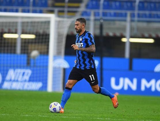 Aleksandar Kolarov (35 anos) - Posição: lateral - Clube atual: Inter de Milão - Valor atual: 2,5 milhões de euros