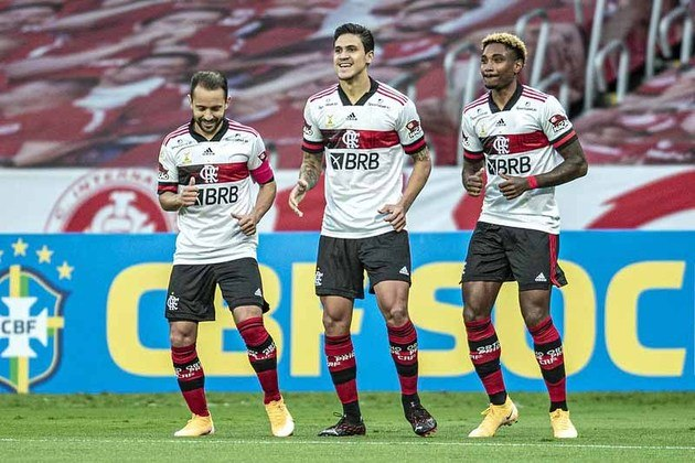 Além de ocuparem as primeiras posições da tabela, Internacional e Flamengo são donos dos melhores ataques do Brasileirão. O Rubro-Negro, com 65 gols a favor, lidera o quesito. O Colorado, por sua vez, vem logo atrás, com 60 gols marcados.