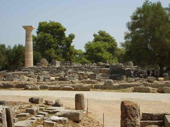 Além de pedagogo, o Barão também era historiador. Em seus estudos, soube das descobertas das ruínas da cidade de Olímpia, no Peloponeso, na Grécia, e onde aconteciam os Jogos da Antiguidade.