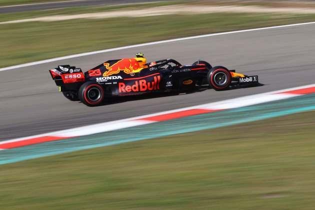 Além de perder para Verstappen, tailandês acabou superado por Leclerc