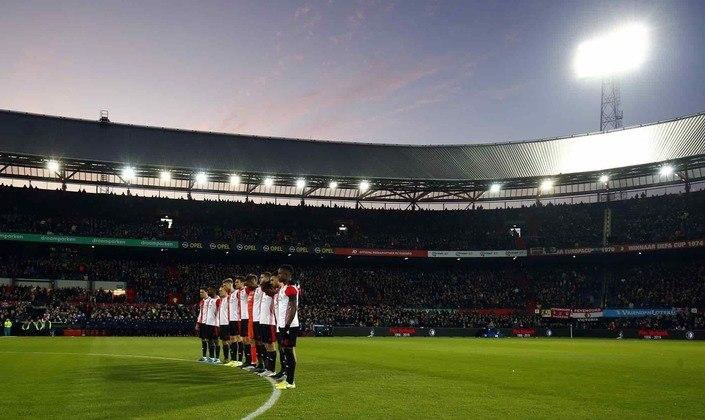 Além disso, a final da Copa da Liga da Holanda, entre Feyenoord e Utrecht, também não será disputada.