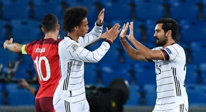 """Suíça 0 X 1 Alemanha, a ilusão do gol do barbudo Gundogan, da """"Mannschaft"""""""