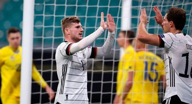 A festa de Timo Werner, dois gols nos 3 X 1 sobre a Ucrânia, em Leipzig