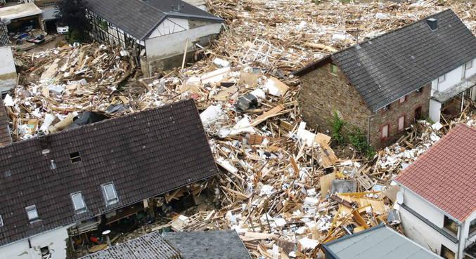 Pelo menos 93 pessoas morreram em temporais na Alemanha