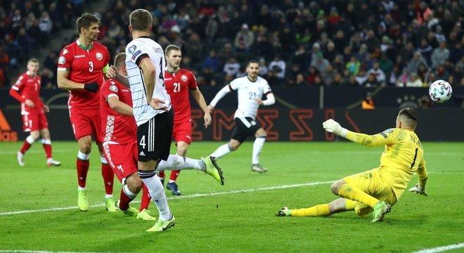 Ginter, de calcanhar, Alemanha 1 X 0 Belarus