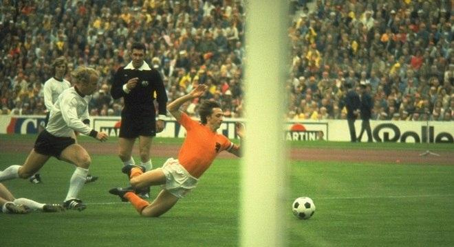 Sete alemães venceram a Liga dos Campeões pelo Bayern e a Copa do Mundo pela Alemanha, em 1974
