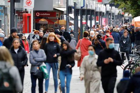 Alemanha tem recorde de casos diários de covid