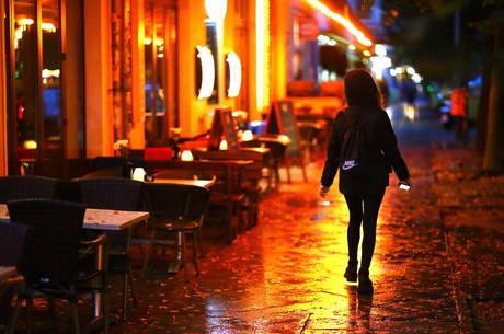 Berlim autoriza abertura de bares e restaurantes