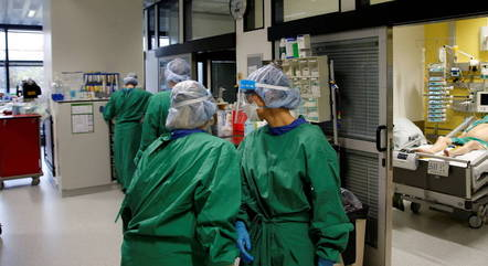 Alemanha chega a 30 mil mortes por covid