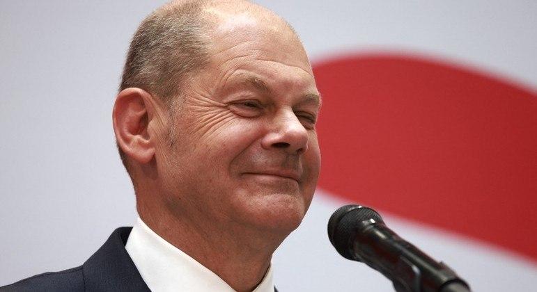 Olaf Scholz, líder do SPD, venceu as eleições legislativas da Alemanha e busca coalizão com Verdes e liberais