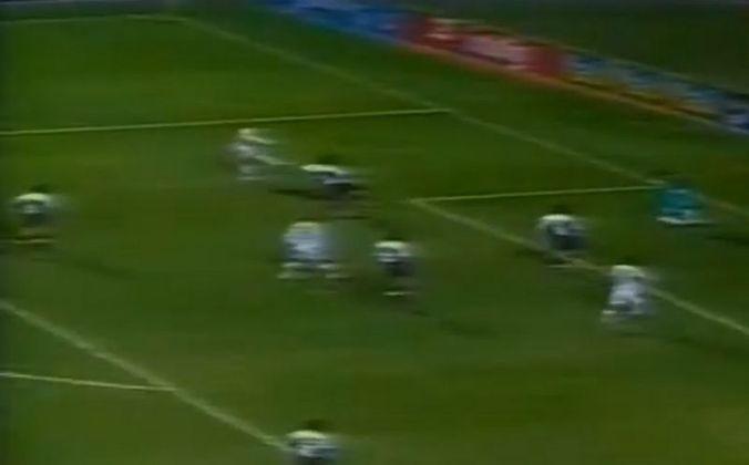 Alemão - O lateral esquerdo marcou um dos quatro gols do São Paulo no jogo contra o Colo-Colo, do Chile. A partida foi disputada no dia 6 de setembro de 2000 e o Tricolor venceu os chilenos por 4 a 0 na Copa Mercosul.