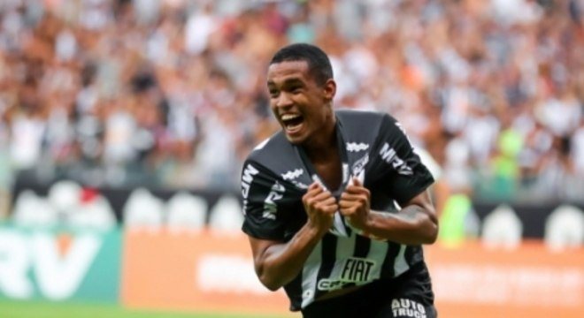 Alerrandro marcou pela primeira vez em clássicos no profissional e assumiu a artilharia do Mineiro com sete gols