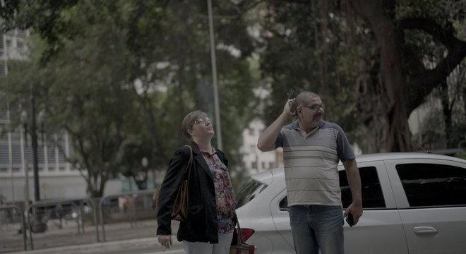 Depois que Alessandra desmaiou e desmaiou no ônibus ao voltar do trabalho, Alexandre passou a buscar a mulher no trabalho Futuro