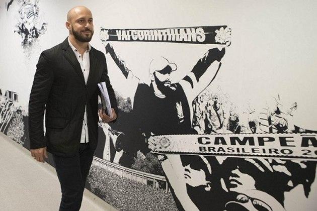 Alessandro - Após se aposentar como jogador, foi dirigente do Corinthians durante cinco anos. Viu o Timão ser campeão do Brasileiro em 2015 e 2017, e do Paulista em 2017 e 2018