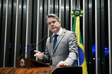 Alessandro Vieira (PPS-SE) protocolou o pedido de CPI