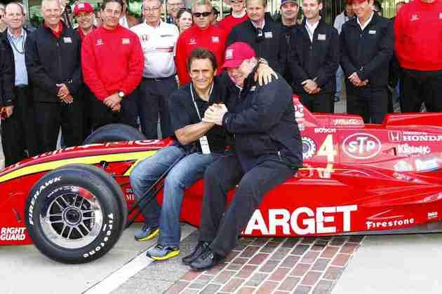 Alessandro Zanardi passou pela F1 entre 1991 e 1994 sem destaque. Chegou à Indy em 1996 e conquistou dois títulos nos anos seguintes. Voltou à F1 em 1999 e sofreu grave acidente, novamente na Indy, em 2011, encerrando a participação na categoria