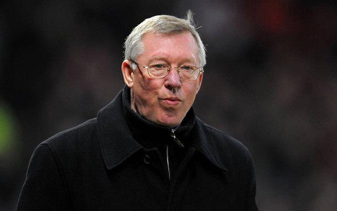 Alex Ferguson - maior treinador da história do Manchester United, Alex Ferguson conquistou duas Champions League pela equipe. Hoje está aposentado.